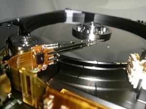 自分でハードディスク交換・換装を行う前に知っておくべきハードディスクの秘密